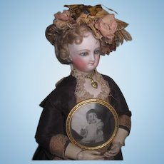 CHARMING Tiny Antique Round Frame with Antique Photo of K & R German Baby Doll!