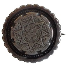 Round Victorian Sterling Brooch Pin Scalloped Edge