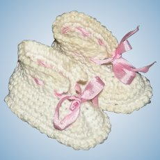 """SMALL CROCHET BOOTIES - 1 1/2"""" - Vintage - Cotton - Off White w/ Pink Ribbons!"""