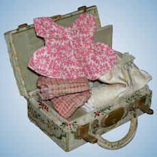 """SMALL DOLL SUITCASE - TAPESTRY FABRIC - 5""""L x 3""""W x 1  3/4"""" H - Vintage!! - Fabric Handle & Metal Lock & Hinges - Inner Compartment!!"""