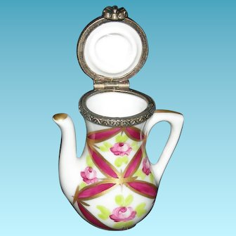 """TEAPOT - LIMOGES - Miniature 2"""" Tall x 1 1/2"""" Wide - Hinged Lid!! - MADE IN FRANCE - Vintage!! - Hot Pink & Gold!!"""
