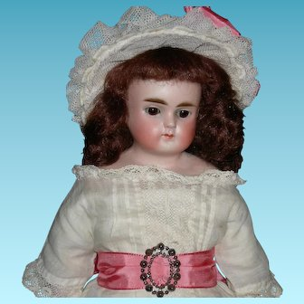 """ALT, BECK & GOTTSCHALK - TURNED SHOULDER Head - 11"""" Size - Closed Mouth & Sleep Eyes - Perfect Bisque!! - Mold 698 - Germany"""