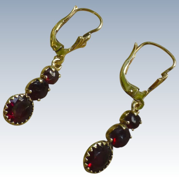 Lovely Vintage Bohemian Garnets Drop Earrings 9 Carat Gold
