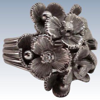 Platinum Retro Floral Cocktail Ring