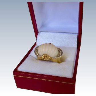 Vintage 18K Yellow Gold Angel Skin Coral And Diamond Ring