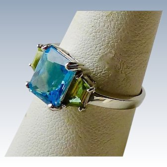 Vintage Swiss Blue Topaz And Peridot 10K White Gold Ring