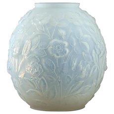 c.1930s Verlys France Art Deco opalescent roses vase