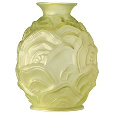 c.1930s Scailmont Art Deco Ondulations uranium glass vase by Charles Catteau