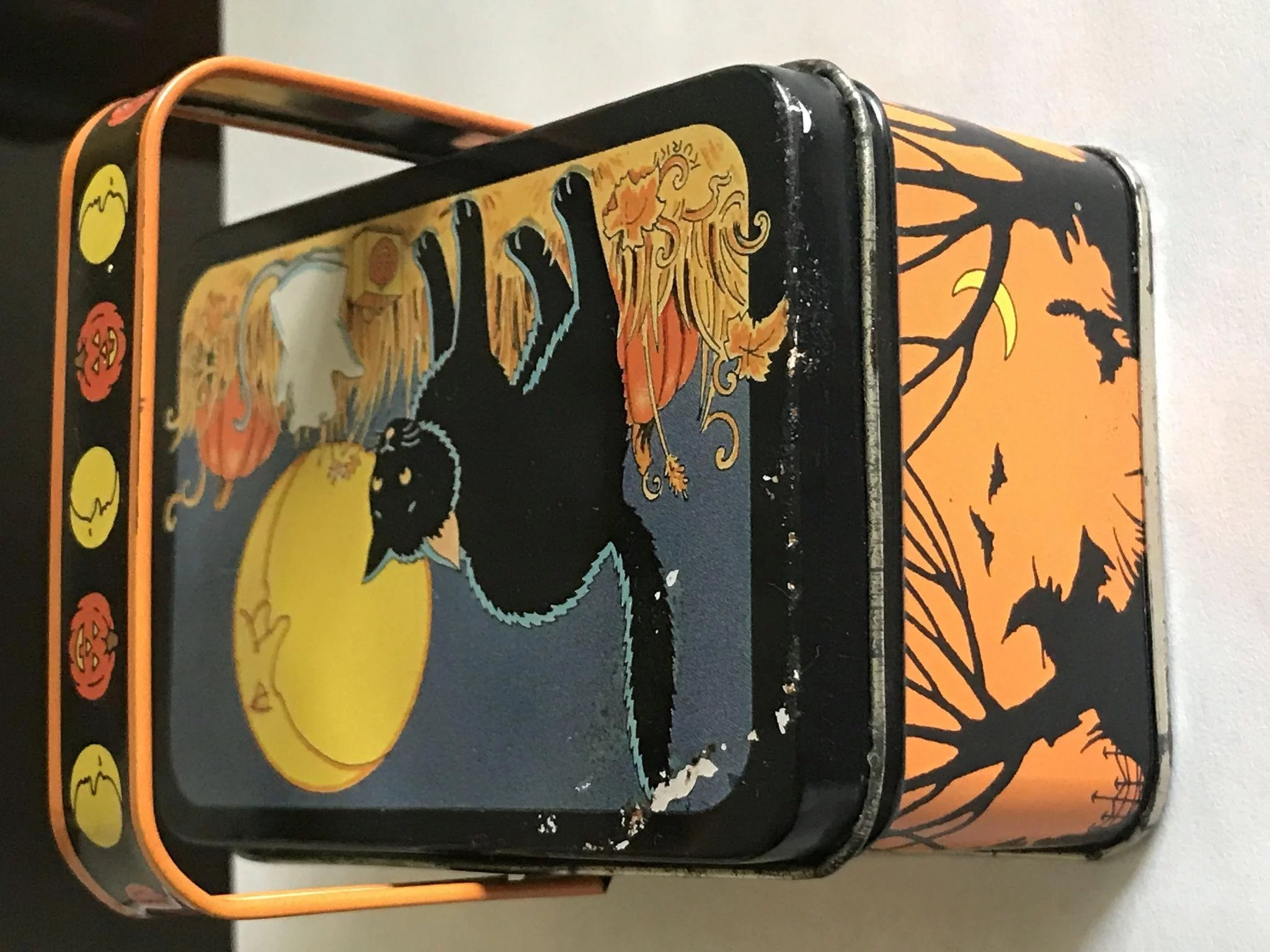Vintage Halloween Keller Charles Candy Tin Click To Expand