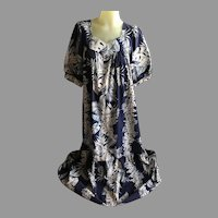 Vintage Long Hawaiian Muumuu in Blue and White