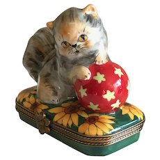 Vintage Limoges Miniature Hand Painted Porcelain Fuzzy Persian Kitty Box