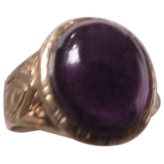 Art Deco 10K ring with Large  Cabochon Amethyst