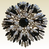 Outstanding Large Vintage Costume Jewelry Brooch Black/White/Clear Navettes