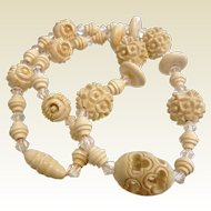 Vintage 1930's Carved Plastic Bead Necklace