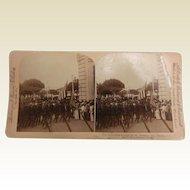 Vintage B&W Stereoview Card - General Lee's Army Entering Havana, Cuba Jan. 1899