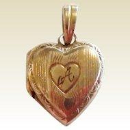 Vintage 10K Gold Doll Size Heart Locket