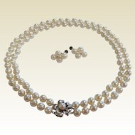 Vintage  Cultured  Pearl Choker Necklace & Screw-Back Earrings