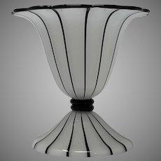 "Loetz Ausführung 157 ""Tango"" Art Glass Vase, PN II-279, Michael Powolny Design"