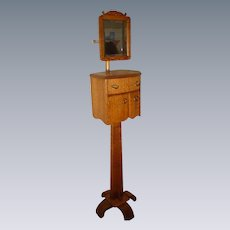 Quartersawn Oak Swing Mirror Shaving Stand