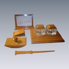 Fine Quartersawn Oak Desk Set