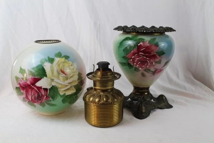 Beautiful Gone With The Wind Victorian Kerosene Parlor