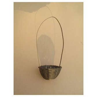 Pretty Miniature Metal Basket for Your Doll