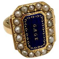 Beautiful Georgian Ring in 18K Gold, Pearl and Lapis