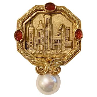 Ann Hand Smithsonian (Castle) Brooch Pin Pendant