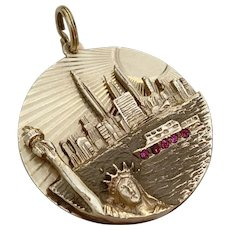 Spectacular Vintage 14k Gold Statue of Liberty NYC Skyline Charm