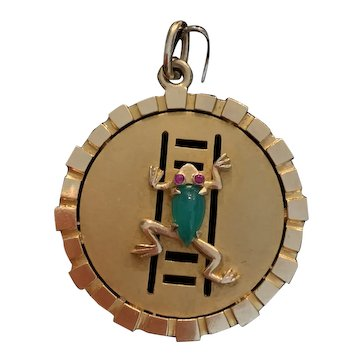 Spectacular English Lucky Frog Charm in Gold, 10.7 grams