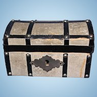 Petite Doll Trunk paper covered with tray intact