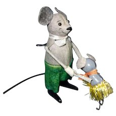 Schuco Mouse dancing with a little mouse