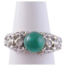 Vintage 18 Karat Gold with Superb EMERALD CABOCHON and Diamonds Ring