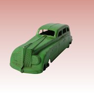 TootsieToy 4 door, 8 window diecast Sedan