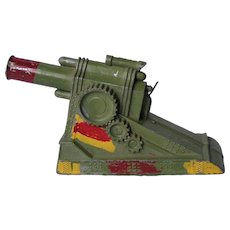 Diecast metal toy howitzer; marked M