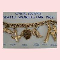 World's Fair original 1962 Seattle Souvenir charm bracelet; mint