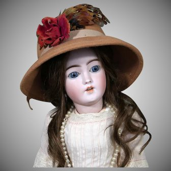 Stylish Simon & Halbig 1159 young Lady  Doll, 20 inches