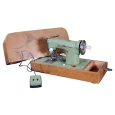 Vintage Sew Mistress Child's Sewing Machine, Working, Battery Operated