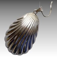 Vintage Sterling Silver Sea Shell Pendant and Chain Necklace