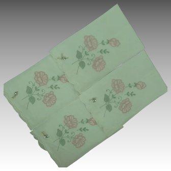 Linen Guest Towel Appliqué and Embroidery Vintage set of 4