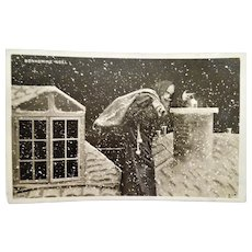 "RPPC "" Up on the Roof Top "" Santa & Snow Postcard"