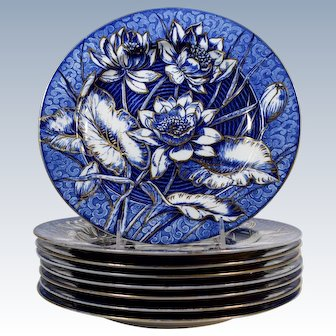 8 Wedgwood Water Lily Dinner Plates