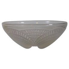 R. Lalique Opalescent Coquilles Small Bowl