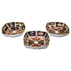 "3 Royal Crown Derby ""Imari"" 2451 Nut Dishes"