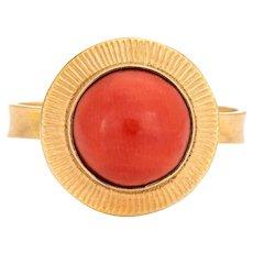 Natural Salmon Coral Ring Vintage 18 Karat Yellow Gold Small Round Estate Jewelry 6.5