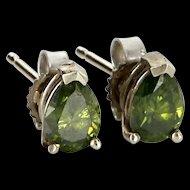 Vintage 14 Karat White Gold Green Diamond Stud Earrings Fine Estate Jewelry