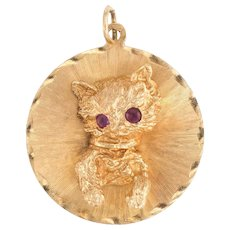 Vintage Cat Medallion Charm Vintage 14 Karat Yellow Gold Estate Fine Animal Jewelry