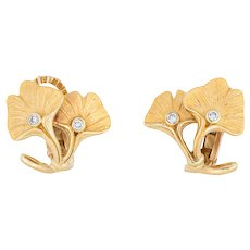 Carrera y Carrera Ginko Leaf Diamond Earrings 18 Karat Yellow Gold Estate Jewelry