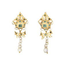 Antique 18th Century Iberian Earrings Emerald Pearl 22 Karat Yellow Gold Spanish Old