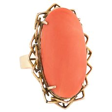 Vintage Coral Ring Large Oval Cocktail 18 Karat Yellow Gold Estate Fine Jewelry Sz 7